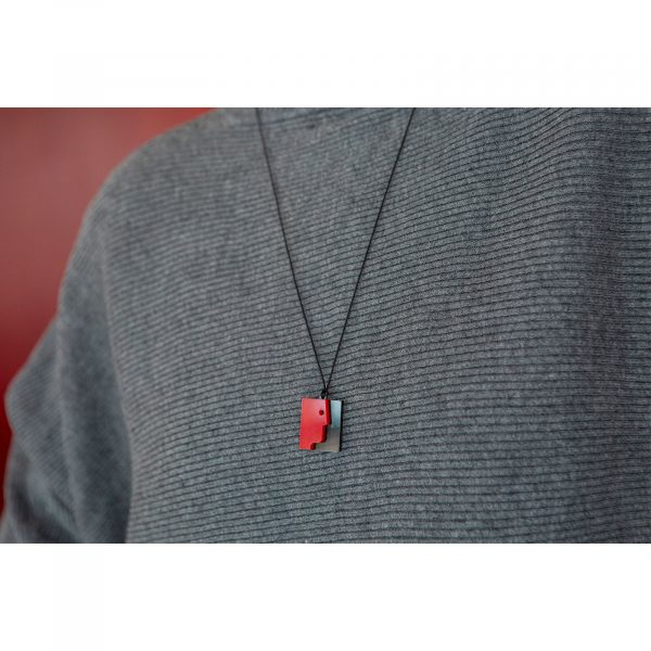 face necklace_foremeno_plexi_red